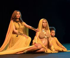 Mother Tina Knowles, Beyonce and her first daughter, Blue ivy. Tina Knowles, Beyonce Knowles, Blue Ivy Carter, Beyonce Performance, King B, Grammys 2017, Beyonce And Jay Z, Beyonce Style, Beyonce Family