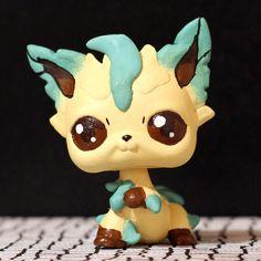 Leafeon Pokemon Littlest Pet Shop custom by PiasLittleCustoms, €16.00