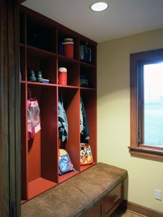 How to Reduce Clutter to Reduce Stress : Decorating : Home & Garden Television