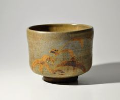 Japanese Kyoto E-Karatsu Chawan Tea Bowl (item detailed views) Japanese Ceramics, Japanese Pottery, Ceramic Bowls, Ceramic Pottery, Matcha, Motorbike Design, Glazing Techniques, Chawan, Kintsugi