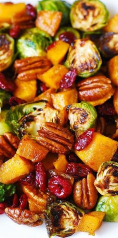Roasted Brussel Sprouts Thanksgiving Side Dish: Roasted Brussels Sprouts, Cinnamon Butternut Squash, Pecans, and Cranberries (and maple syrup). Side Dish Recipes, Veggie Recipes, Vegetarian Recipes, Cooking Recipes, Healthy Recipes, Dishes Recipes, Pumpkin Recipes, Turkey Recipes, Japanese Recipes