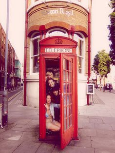 So taking a picture like this with friends in London! I'm gonna need to bring a bottle of lysol though :)