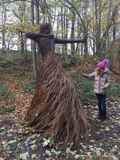 Winter Family Pictures, Medieval Armor, Art Installation, Garden Structures, Land Art, Dream Garden, Archery, Wood Carving, Artsy Fartsy