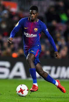 Oussame Dembele of FC Barcelona runs with the ball during the Copa del Rey round of 16 second leg match between FC Barcelona and Celta de Vigo at Camp Nou on January 11, 2018 in Barcelona.