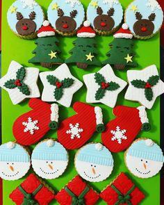 Yeni yıl gelir de, yılbaşı kurabiyeleri ortaya çıkmaz mı? Güzelliklerle gel yeni yıl...#christmascookies #yılbaşıkurabiyesi @sekersugar Tree Skirts, Christmas Tree, Pasta, Holiday Decor, Home Decor, Teal Christmas Tree, Decoration Home, Room Decor, Xmas Trees