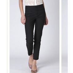 """Anthropologie Tilda Slims by Cartonnier Black Sz 0  Cartonnier from Anthropologie   """"Tilda Slims"""" in black   Ankle length with ankle cut-outs   Size 0   Excellent used condition!   Cotton & spandex blend   Waist: 13"""" across the front, lying flat.   Inseam: 27.5"""".   Rise: 8"""".  ✳️ Bundle to Save 20%! ❌ No Trades, Holds, PP, Modeling  100% Authentic!  ⭐️ Suggested User • 1100+ Sales • Fast Shipper • Best in Gifts Party Host! ⭐️ Anthropologie Pants Ankle & Cropped"""
