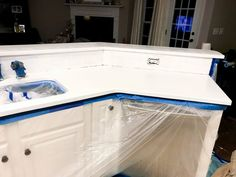 It is very outstanding what these people did with this particular design and plan. Painted Granite Countertops, Epoxy Countertop, Painting Countertops, Laminate Countertops, Countertop Materials, Kitchen Countertops, Granite Paint, Cheap Kitchen Remodel, Diy Kitchen