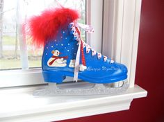 Painted Ice Skate Snowman w Pile of by JmilliesJustVintage on Etsy, $28.00