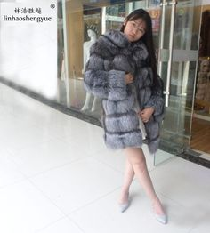 Linhaoshengyue Lapel genuine fox fur with sleeves Fox Fur, Asian Woman, Cool Things To Buy, Fur Coat, Revers, Long Hair Styles, Furs, Sleeves, Jackets