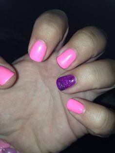 #GelNails #Gelish #glitter #accentnail #DIY #MakeYouBlinkPink