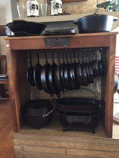 Cast Iron Cookware Display in a fireplace! Kitchen Redo, Kitchen Remodel, Kitchen Ideas, Iron Storage, Cabin Kitchens, Rustic Kitchens, Cast Iron Cookware, Küchen Design, Display Design