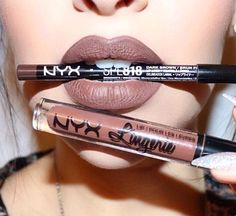 Lip Lingerie - Beauty Mark