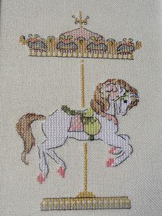Lelya Lee HandMade: Helene Le Berre ''Esprit romantique à broder au point de croix'' : carousel horse *