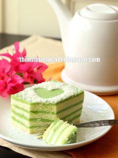 Pandan Layer Cake 香兰层蛋糕. Pandan jelly sandwiched between soft pandan chiffon cake. Absolute heaven.