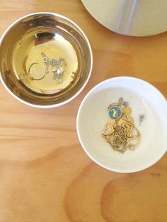 I love to keep my jewellery organised in these white and gold bowls