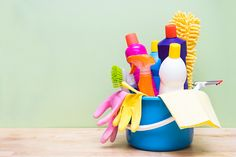 Home cleaning hacks that professional cleaners use Cleaning Checklist, Cleaning Hacks, Cleaning Supplies, Cleaning Products, Domestic Cleaners, What Is Parenting, Dishwashing Gloves, Professional Cleaners, Pet Urine