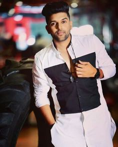 Guru randhawa new song made in india hd Guru Pics, Romantic Boyfriend, Punjabi Models, Love Guru, Love Husband Quotes, Boys Dpz, Boy Poses, Stylish Boys, Cute Girl Photo