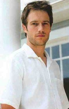 Michael Vartan from Never Been Kissed. So hot! Most Handsome Actors, Handsome Guys, Michael Vartan, Never Been Kissed, Ideal Man, Romantic Movies, Well Dressed Men, Gorgeous Men, Beautiful People