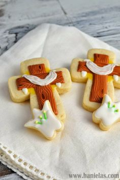 Haniela's: Easter Cross and Lily Cookies Tutorial