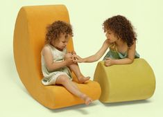 tea pods™ / iglooplay by lisa albin design  -    Organic, growing system of various sizes and shapes conceived as sculptural and moveable furniture for children and adults. Pods can become a stool, side table, bench, ottoman, lounger or play object (they are all foam and have no interior wooden frame). The tray is optional.