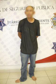 <p>Juárez, Chih.- Agentes de la Policía Municipal, realizaron el arresto de Juan Alberto G. G., por su presunta responsabilidad en la comisión