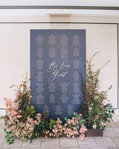 Kelly Fuad / Kelly Design Co. (@kellydesign.co) • Instagram photos and videos Wedding Table Place Settings, Seating Plan Wedding, Wedding Signage, Seating Plans, Beach Wedding Favors, Wedding Souvenir, Diy Wedding, Dream Wedding, Wedding Ideas