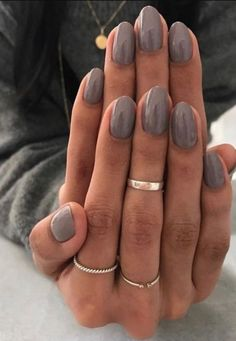 dark grey nail polish gel manicure ideas for women Color For Nails, Gray Nails, Nude Nails, Nail Polish Colors, Matte Nails, Classy Nails, Stylish Nails, Trendy Nails, Spring Nail Colors