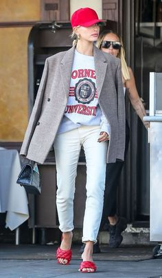 Hailey Bieber Princess Diana Outfit Hailey Bieber just stepped out in an outfit that is nearly identical to one Princess Diana wore in the See the look and shop similar pieces. Estilo Hailey Baldwin, Hailey Baldwin Style, Outfits Casual, Style Outfits, Cool Outfits, Casual Blazer, Blazer Outfits, Blazer Dress, Swag Dress