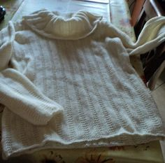 pull a maglia color panna