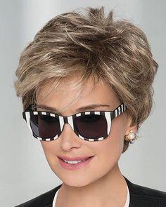 Trending Hairstyles 2019 - Short Layered Hairstyles - EveSteps Hairstyles, Trending Hairstyles 2019 - Short Layered Hairstyles - EveSteps Source by iigonzales. Short Hair With Layers, Short Hair Cuts For Women, Short Hairstyles For Women, Bob Hairstyles, Short Layered Hairstyles, Popular Hairstyles, Bride Hairstyles, Long Faces, Trending Hairstyles