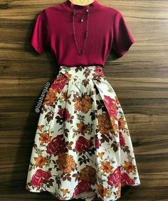Burgundy top and floral midi skirt Mode Outfits, Skirt Outfits, Casual Outfits, Modest Fashion, Fashion Clothes, Fashion Dresses, Jw Fashion, Cheap Fashion, Vintage Clothing