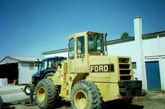 Ford A-62 seen in Fort Recovery.97 gross,92 net hp from a 256 cid diesel.19,740lbs,10-3 hght,1.75 yards,103 inch wheel base