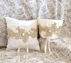 Oro de cesta de la muchacha de flor cesta de por TheRaggedDiamond