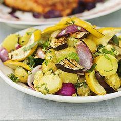 Potatissallad med grillade grönsaker
