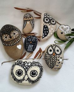 #stones #pebbles #stoneart #pebblesart #art…