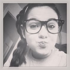 Duck Face! Nerd glases*
