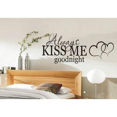 unique and romantic master bedroom wall décor