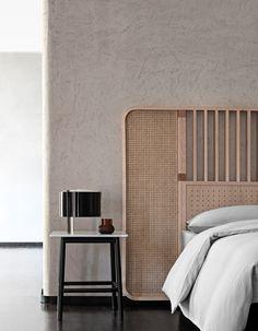 High headboard for double bed OTTOW By Wiener GTV Design design storage associati Bed Furniture, Furniture Design, Modern Bedroom, Bedroom Decor, Decor Room, Art Decor, Double Bed Designs, Headboard Designs, Headboard Ideas