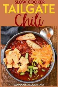 Knock it out of the park at your tailgates this fall with this crowd pleasing Slow Cooker Tailgate Chili! Slow Cooker Chili, Slow Cooker Recipes, Crockpot Recipes, Crockpot Dishes, Recipe Using Chicken, Tailgate Food, Tailgating, Chili Recipes, Gourmet Recipes