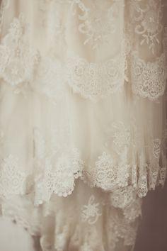 YolanCris  Emma and David. Romantic Vintage wedding style  #YolanCris #realbrides #realweddings #bridestyle #wedding #inspiration #weddinginspiration #bride #lace #laceweddingdress