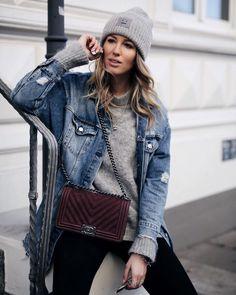 ACNE Studio Mütze und grauer Mohairpullover von H&M Trend