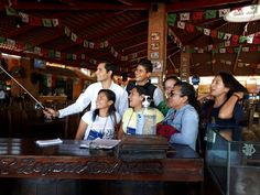 Peregrinos en #México durante su recorrido. Septiembre/2017.  http://ift.tt/1BbxEp4