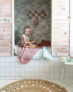 #Bedstee #kinderkamer | Dusty_Corners via Kinderkamerstylist Sleeping Nook, Scandinavian Nursery, Kids Room Design, Kids Corner, Baby Room Decor, Kid Spaces, Kidsroom, Kids Decor, Children Photography