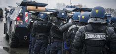 Peloton de gendarmes mobiles en intervention © MI/SG/DICOM/ALejeune