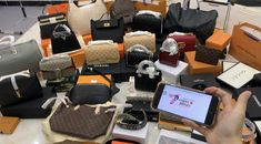 Looking the best replica handbags online? Learn why Vho.to high quality designer replica bags are the best available anywhere NOW! Best Handbags, Hermes Handbags, Handbags Online, Louis Vuitton Handbags, Trendy Handbags, Vuitton Bag, Gucci Bags, Vintage Louis Vuitton, Fake Designer Bags