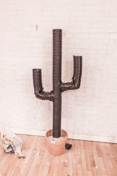 DIY: Cactus Christmas Tree try using pool noodles! Cactus Christmas Trees, Diy Christmas Lights, Christmas Deserts, Christmas Tree Themes, Diy Christmas Tree, Outdoor Christmas Decorations, Xmas Tree, White Christmas, Western Christmas Tree