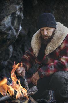 filson: Made for the cold built for generations. Photography by Chris Douglas Lumberjack Style, Estilo Cool, Mode Man, Rugged Men, Sheepskin Coat, Mens Gear, Gentleman Style, Beard Styles, Stylish Men
