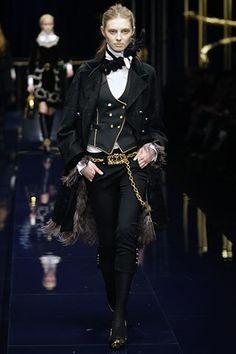 Dolce & Gabbana Fall 2006 Ready-to-Wear Fashion Show - Olga Sherer