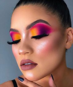 Make up Color ❤ Makeup Eye Looks, Full Makeup, Beautiful Eye Makeup, Glam Makeup, Eyeshadow Makeup, Beauty Makeup, Eyeshadows, Creative Eye Makeup, Colorful Eye Makeup