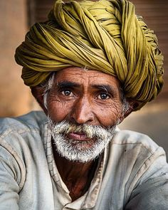 Trendy eye photography men old mans Old Man Portrait, Portrait Art, Portrait Photography Men, Eye Photography, Indian Photoshoot, Old Faces, Indian Art Paintings, India Art, Best Portraits